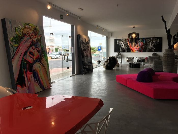 Raphaël Laventure expose ses oeuvres dans le plus beau showroom de l'île d'Ibiza !